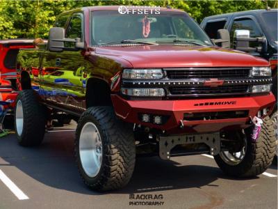 "2002 Chevrolet Silverado 1500 - 22x12 -51mm - Fuel Forged Ff14 - Suspension Lift 10"" - 37"" x 13.5"""