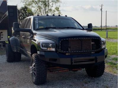 """2007 Dodge Ram 3500 - 20x8.25 122mm - Fuel Maverick D538 - Leveling Kit - 35"""" x 12.5"""""""