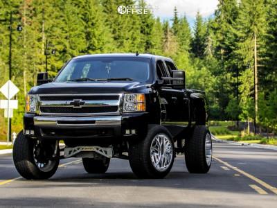 "2008 Chevrolet Silverado 1500 HD - 22x14 -76mm - Fuel Forged Ff29 - Suspension Lift 7"" - 325/50R22"
