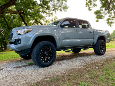 2018 Toyota Tacoma - 18x9 1mm - Fuel Assault - Leveling Kit - 285/65R18