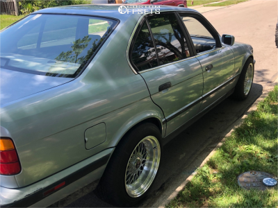 1990 BMW 525i - 17x8.5 15mm - JNC Jnc004 - Stock Suspension - 225/50R17