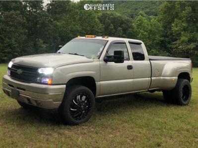 "2006 Chevrolet Silverado 3500 Classic - 20x8.25 -176mm - Fuel Cleaver - Level 2"" Drop Rear - 265/60R20"