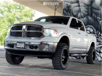 "2013 Dodge 1500 - 20x10 -24mm - Moto Metal Mo970 - Suspension Lift 6"" - 35"" x 12.5"""