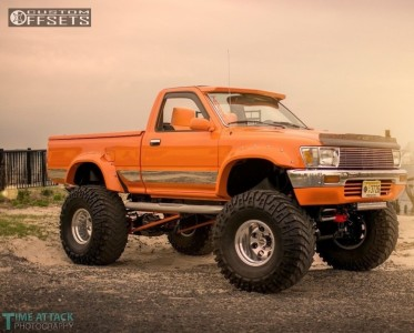 "1989 Toyota Pickup - 15x12 -73mm - Mickey Thompson Classic II - Suspension Lift 4"" - 38"" x 15.5"""