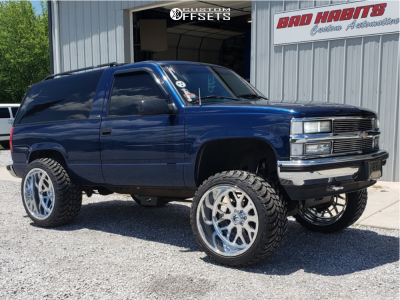 """1999 Chevrolet Tahoe - 24x14 -76mm - Fuel Forged Ff19 - Suspension Lift 6"""" - 35"""" x 13.5"""""""