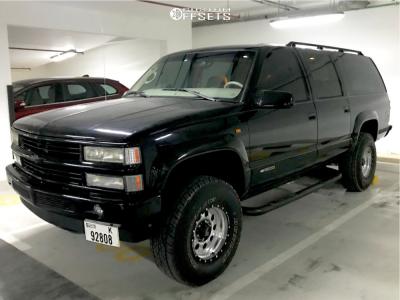 "1999 Chevrolet K1500 Suburban - 16x9 0mm - Lenso Max 6 - Suspension Lift 4"" - 285/75R16"