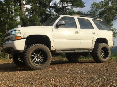 "2004 Chevrolet Tahoe - 20x12 -44mm - Moto Metal Mo983 - Suspension Lift 6"" - 35"" x 12.5"""