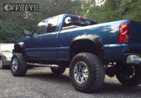 """2003 Chevrolet Silverado 1500 - 18x12 -44mm - Fuel Hostage - Suspension Lift 6"""" - 37"""" x 13.5"""""""