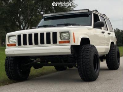 "2000 Jeep Cherokee - 15x12 -55mm - Bart Super Trucker - Suspension Lift 3.5"" - 31"" x 10.5"""