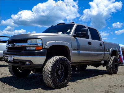 "2002 Chevrolet Silverado 2500 HD - 20x12 -44mm - Hostile Sprocket - Suspension Lift 6"" - 35"" x 12.5"""
