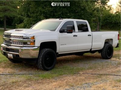 "2019 Chevrolet Silverado 2500 HD - 20x10 -24mm - Ultra Hunter - Leveling Kit - 33"" x 12.5"""