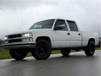2000 Chevrolet C2500 - 17x9 1mm - Fuel Hostage - Stock Suspension - 285/70R17