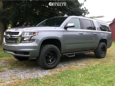 2019 Chevrolet Suburban - 18x9 -12mm - Fuel Shok - Leveling Kit - 285/65R18