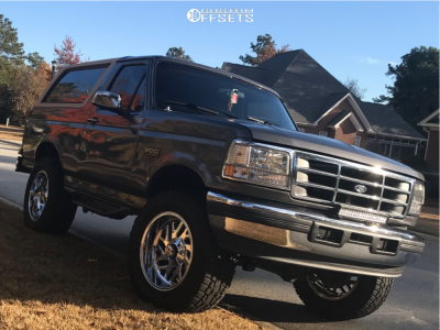 "1996 Ford Bronco - 20x10 -18mm - Fuel Triton D609 - Suspension Lift 4.5"" - 35"" x 12.5"""