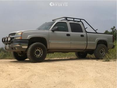 """2004 Chevrolet Silverado 2500 HD - 17x8.5 0mm - Method NV - Suspension Lift 3.5"""" - 35"""" x 12.5"""""""