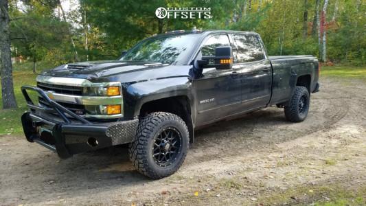 2018 Chevrolet Silverado 2500 HD - 18x9 18mm - XD Xd820 - Stock Suspension - 285/65R18