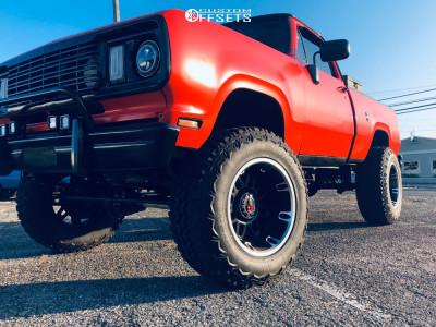 "1978 Dodge W200 - 20x12 -44mm - Worx Conquest - Suspension Lift 7"" - 37"" x 12.5"""