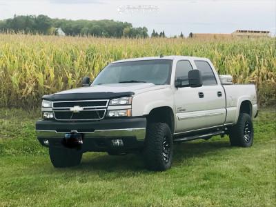 """2007 Chevrolet Silverado 2500 HD Classic - 17x9 -12mm - Fuel Blitz - Suspension Lift 3"""" - 33"""" x 12.5"""""""
