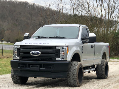 """2017 Ford F-250 - 20x12 -44mm - Hardcore Offroad Hc05 - Lowered on Springs - 33"""" x 12.5"""""""