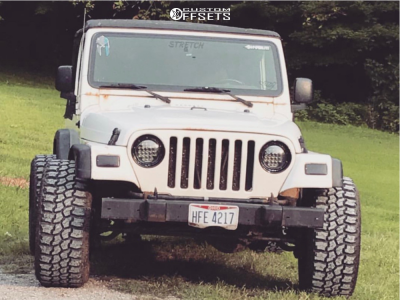 "2004 Jeep TJ - 20x12 -44mm - Fuel Triton - Air Suspension - 33"" x 12.5"""
