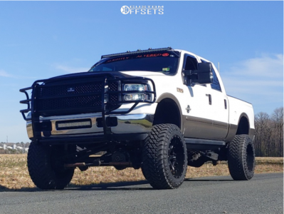 "2006 Ford F-350 Super Duty - 22x12 -44mm - Fuel Nutz - Suspension Lift 8"" - 37"" x 13.5"""