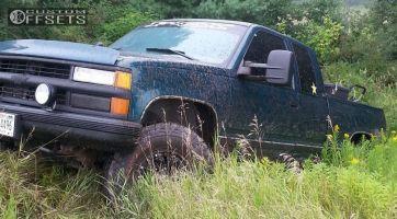 "1995 Chevrolet K1500 - 16x9 -12mm - XD Addict - Body Lift 3"" - 285/75R16"