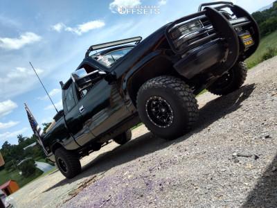 "1991 Chevrolet K1500 - 15x10 -43mm - Fuel Lethal - Stock Suspension - 32"" x 11.5"""