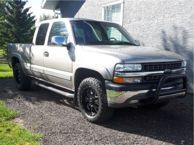 """2000 Chevrolet Silverado 1500 - 20x9 -12mm - Ultra Hunter - Suspension Lift 2.5"""" - 275/60R20"""
