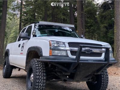 """2004 Chevrolet Silverado 1500 - 18x10 -24mm - Fuel Hostage - Suspension Lift 3"""" - 33"""" x 12.5"""""""
