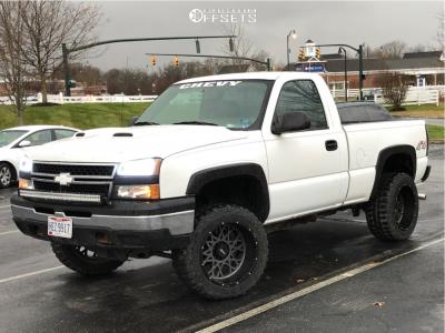 "2006 Chevrolet Silverado 1500 - 20x12 -44mm - Vision Rocker - Suspension Lift 5"" - 33"" x 12.5"""