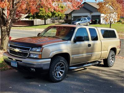 """2006 Chevrolet Silverado 1500 - 18x9 12mm - Vision Turbine - Stock Suspension - 32"""" x 12.5"""""""