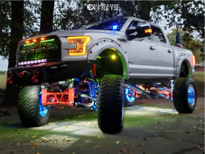 """2015 Ford F-150 - 22x14 -76mm - Fuel Forged Ff45 - Suspension Lift 12"""" - 40"""" x 15.5"""""""