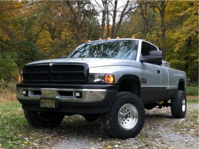 "2001 Dodge Ram 2500 - 16x10 -25mm - American Racing Outlaw Ii - Suspension Lift 2.5"" - 33"" x 12.5"""