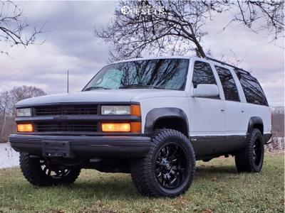 1995 Chevrolet K2500 Suburban - 20x10 -18mm - Fuel Sledge - Stock Suspension - 305/55R20