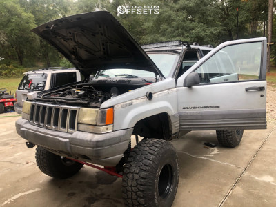 "1997 Jeep Grand Cherokee - 15x10 -43mm - American Racing Baja - Suspension Lift 8"" - 35"" x 12.5"""