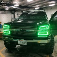 "2005 Chevrolet Avalanche - 20x12 -44mm - Moto Metal MO962 - Suspension Lift 6"" - 35"" x 12.5"""