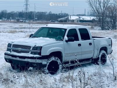 """2005 Chevrolet Silverado 1500 - 18x9 1mm - Fuel Pump - Suspension Lift 2.5"""" - 33"""" x 12.5"""""""