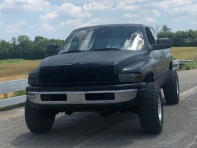 "1997 Dodge Ram 1500 - 16x10 -44mm - Ultra Type 50 - Suspension Lift 2.5"" - 285/75R16"