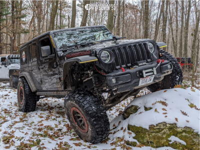 """2018 Jeep Wrangler - 17x9 -38mm - Dirty Life Dt-2 - Suspension Lift 4.5"""" - 38"""" x 13.5"""""""