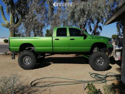 "2005 Dodge Ram 2500 - 17x9 0mm - Moto Metal Mo950 - Lifted >12"" - 44"" x 14.5"""