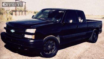 """2007 Chevrolet Silverado 1500 - 22x9.5 30mm - 2Crave N11 - Level 2"""" Drop Rear - 305/35R22"""
