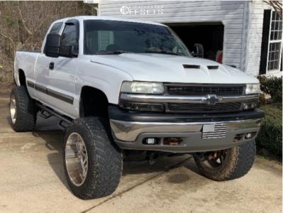 "1999 Chevrolet C1500 - 22x14 -76mm - Hostile Sprocket - Suspension Lift 6"" & Body 3"" - 37"" x 13.5"""
