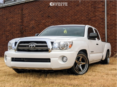 2009 Toyota Tacoma - 18x9.5 22mm - Aodhan Ds05 - Lowered 3F / 5R - 245/40R18