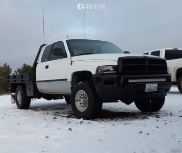 1998 Dodge Ram 2500 - 16x7 0mm - Ultra Type 62 - Stock Suspension - 285/75R16