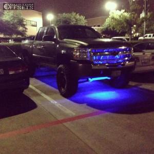 "2011 Chevrolet Silverado 1500 - 18x9 -12mm - Moto Metal MO951 - Suspension Lift 9"" - 315/65R18"