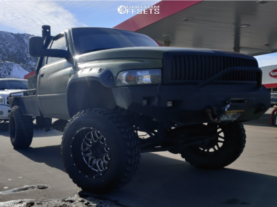 "2001 Dodge Ram 2500 - 20x12 -44mm - Pure Grit Drive - Suspension Lift 6"" - 37"" x 12.5"""