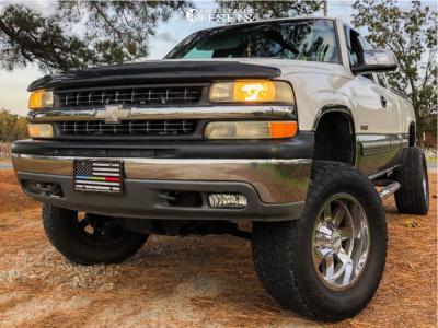 "2001 Chevrolet Silverado 1500 - 18x10 -24mm - Moto Metal Mo962 - Suspension Lift 6"" - 305/60R18"