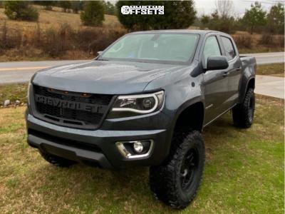 "2019 Chevrolet Colorado - 17x8.5 0mm - KMC Km717 - Suspension Lift 6.5"" - 33"" x 12.5"""