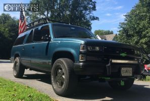 """1994 Chevrolet K1500 Suburban - 17x7 31mm - Spaced out Stockers Spaced out stockers - Leveling Kit - 30"""" x 10.5"""""""