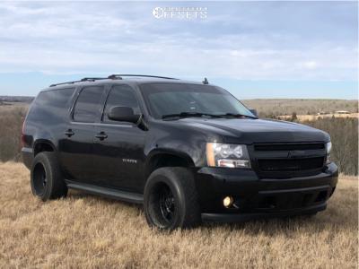 2007 Chevrolet Suburban - 20x12 -44mm - Gear Off-road Big block - Air Suspension - 305/50R20